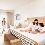 Choosing a Kid-Friendly Hotel for Stay on a Family Vacation